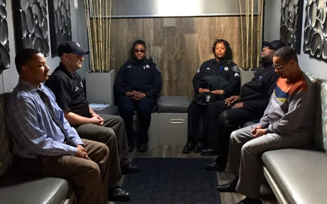 DETROIT POLICE MEDITATING, AND AT PEACE!